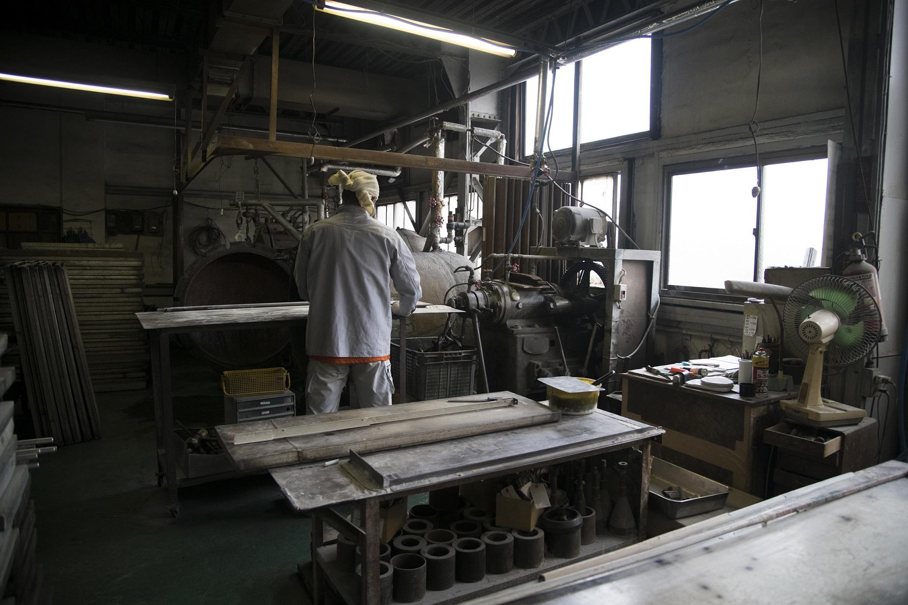 古くて新しい素材「エボナイト」で町工場から世界へ! 日興エボナイト製造所の挑戦