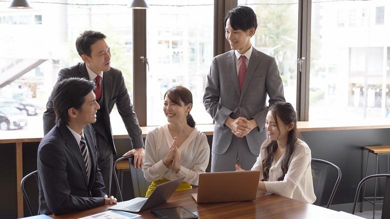 社員が元気になる?驚きの制度導入で業績アップしている企業3選
