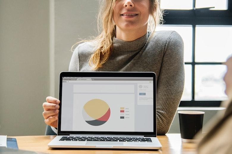 市場調査にも活用できる!政府系の統計データを調べる際に使えるサイト