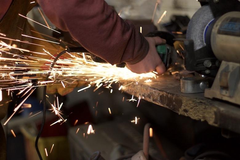 業務の効率化が実現する? 製造業の外部リソース活用事例