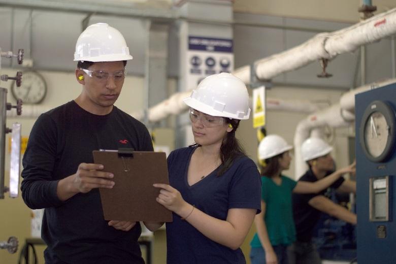 製造業における人材育成の重要性 製造業が人材育成で検討できる施策について
